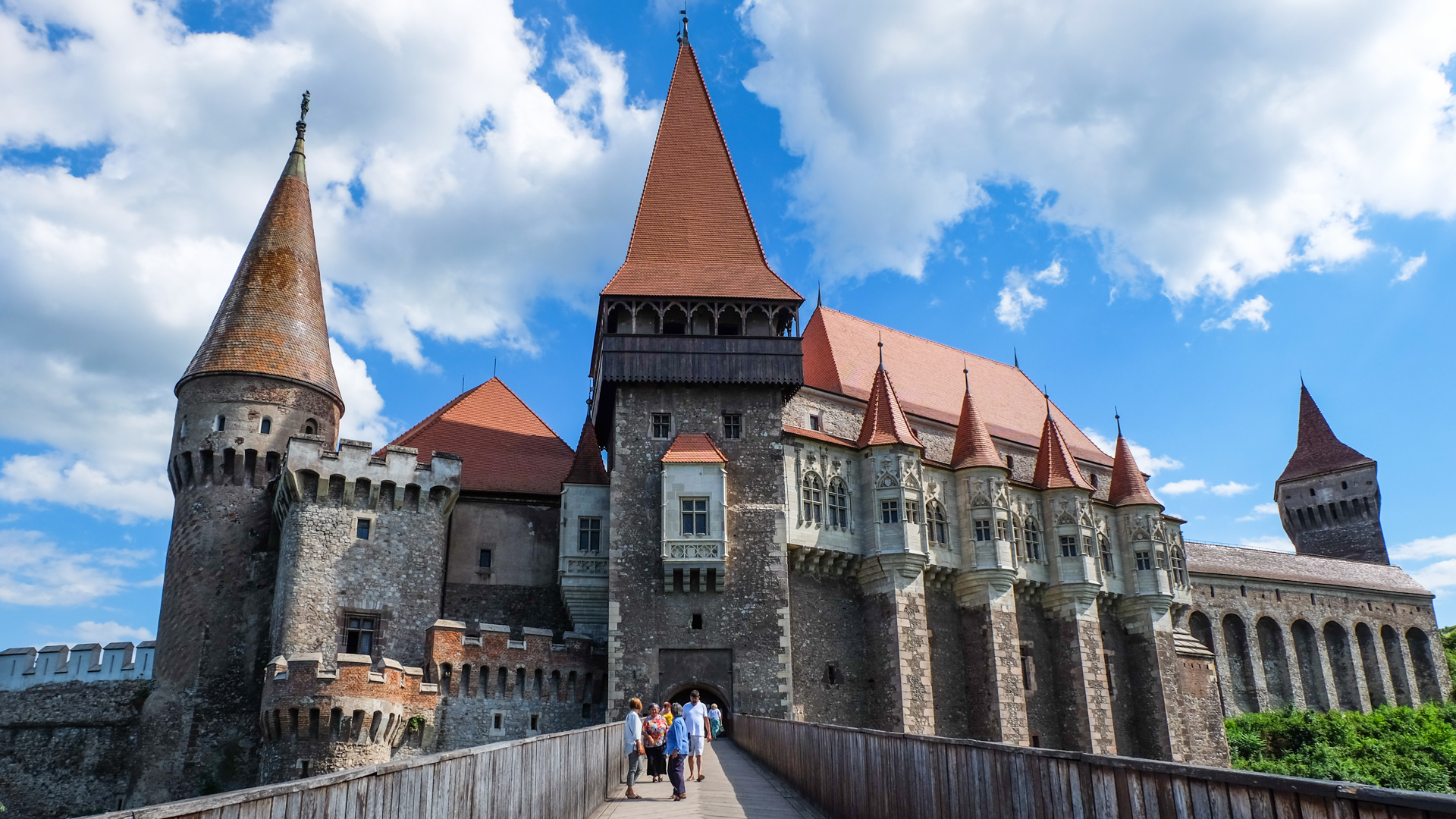 Hunyadis-Castle-Transylvania.jpg