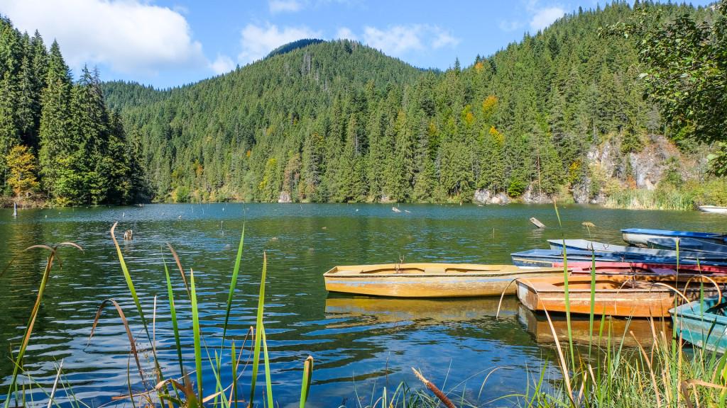 Red Lake Romania - RomaniaTourStore