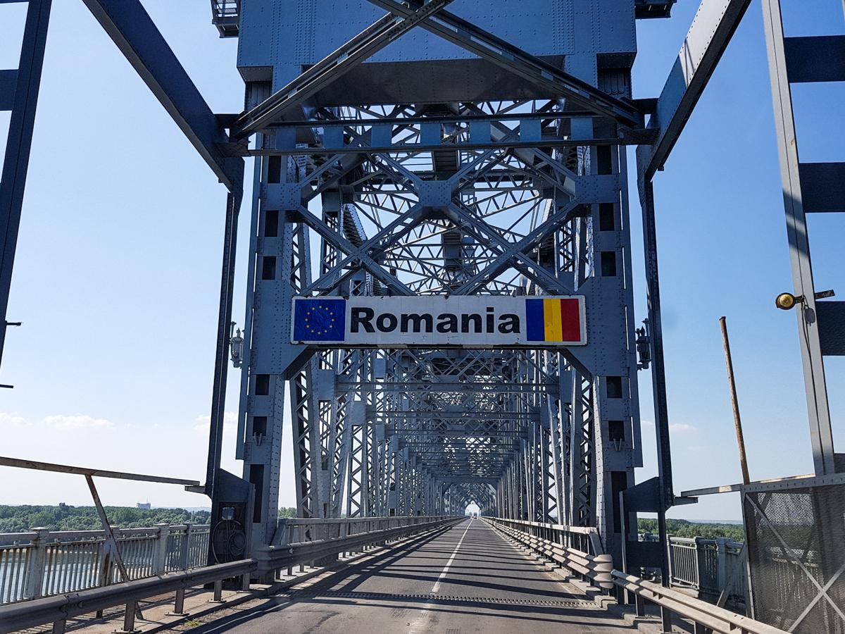 15 Romania travel hacks - RomaniaTourStore